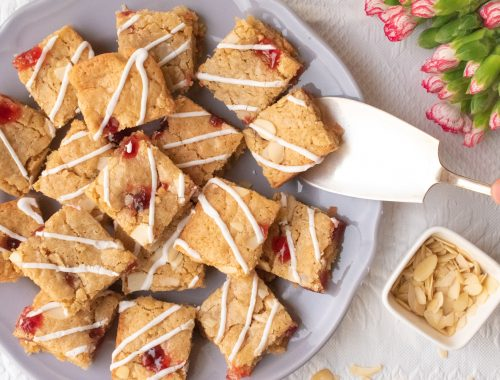Bakewell Blondies